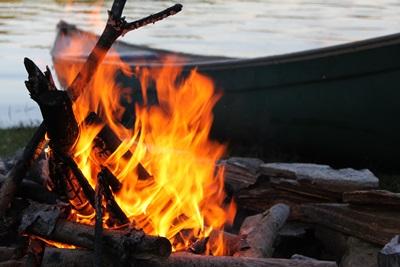 カヌーと焚き火-20090704
